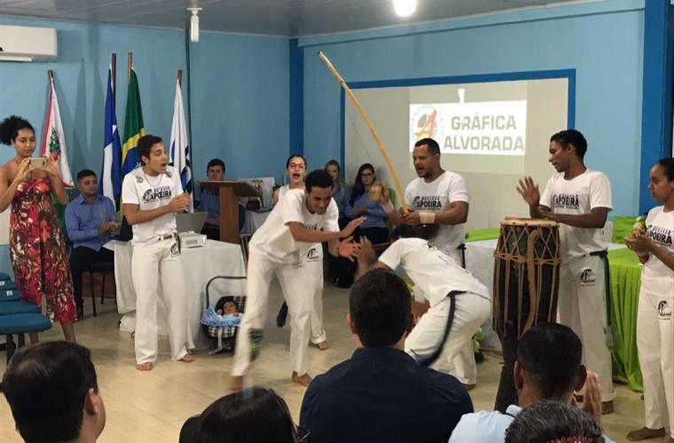 Apresentação de capoeira na abertura da I Semana Acadêmica de Fisioterapia
